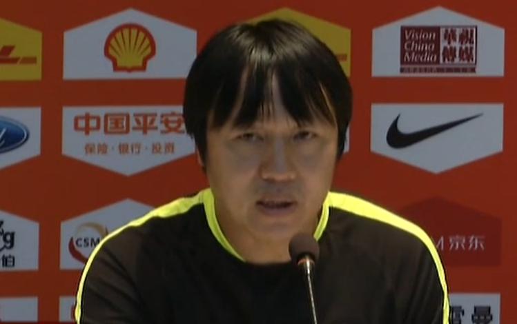 媒体人:谢峰接替科尔曼任华夏幸福主帅,李毅助教