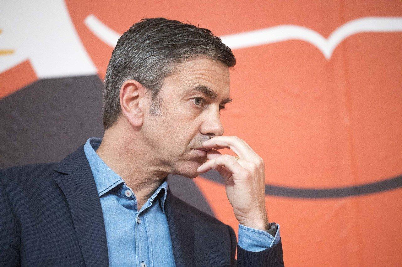 科斯塔库塔:范迪克进步明显 对位萨拉赫会耗尽精力