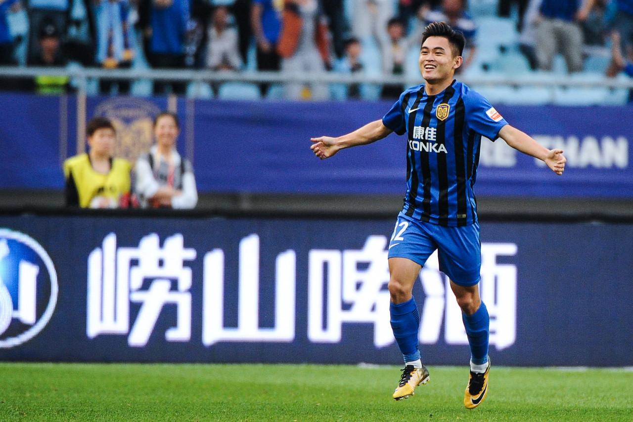 记者:黄紫昌已参加球队有球训练,接近伤愈复出