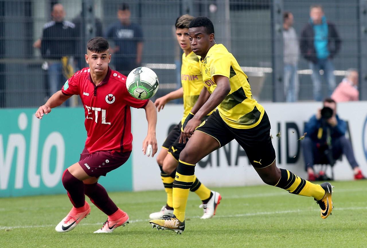 穆科科进球助多特U17进入全国决赛,拜仁U17惨败无缘决赛