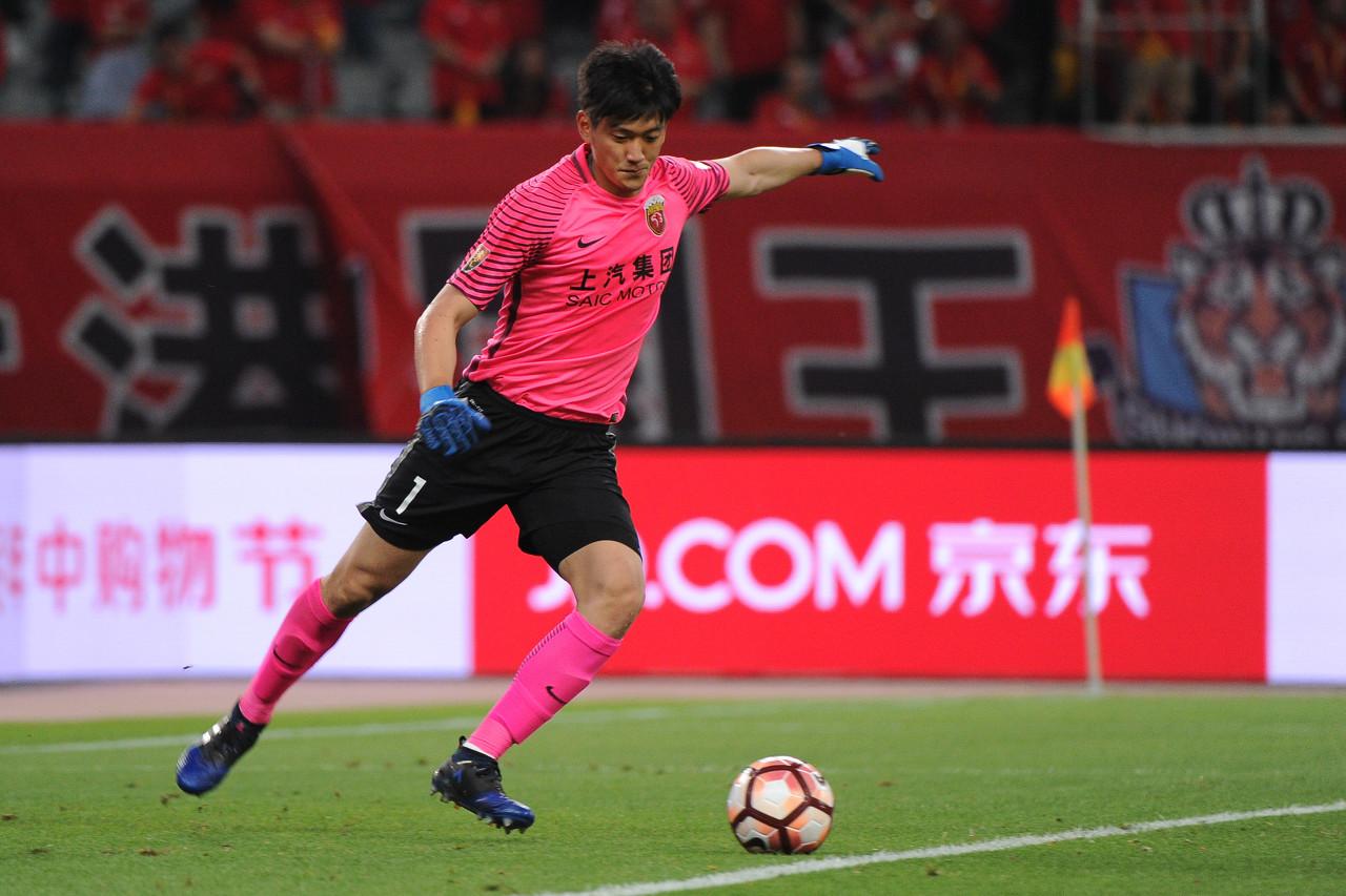 沪媒:颜骏凌参加全队合练 新赛季仍为上港效力