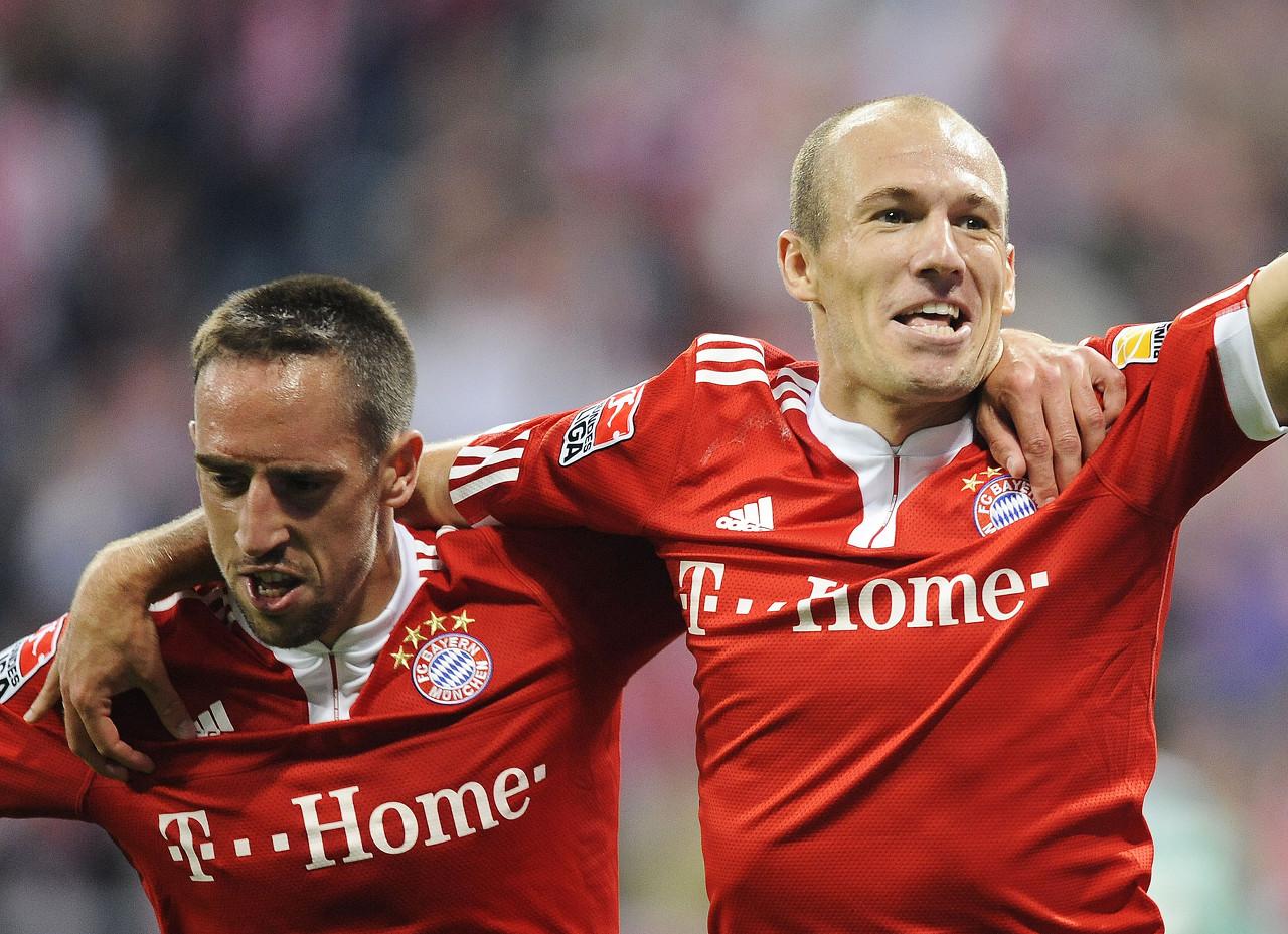 致敬传奇!官方:罗贝里组合当选德甲第32轮最佳球员