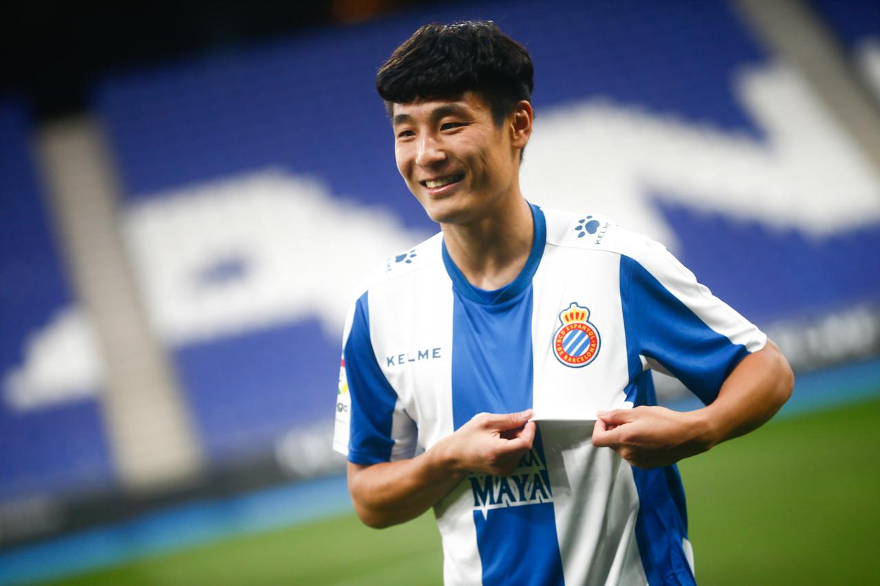 媒体人:与归化相比,让中国球员留洋更有积极意义