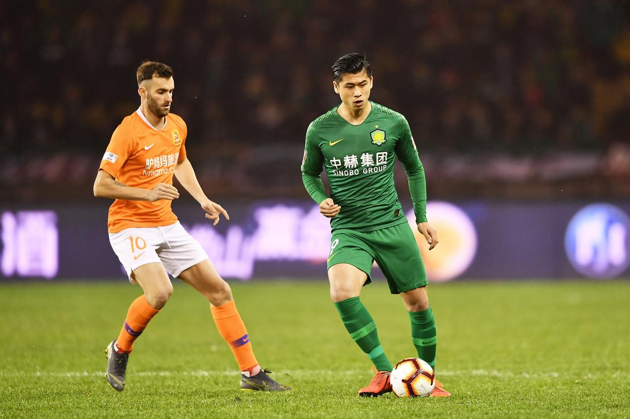 张玉宁伤势比预想乐观,能否留在国奥需教练组评定