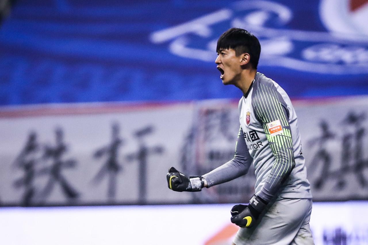 颜骏凌解释胡尔克罚点球时自己背对着:运气会好一些