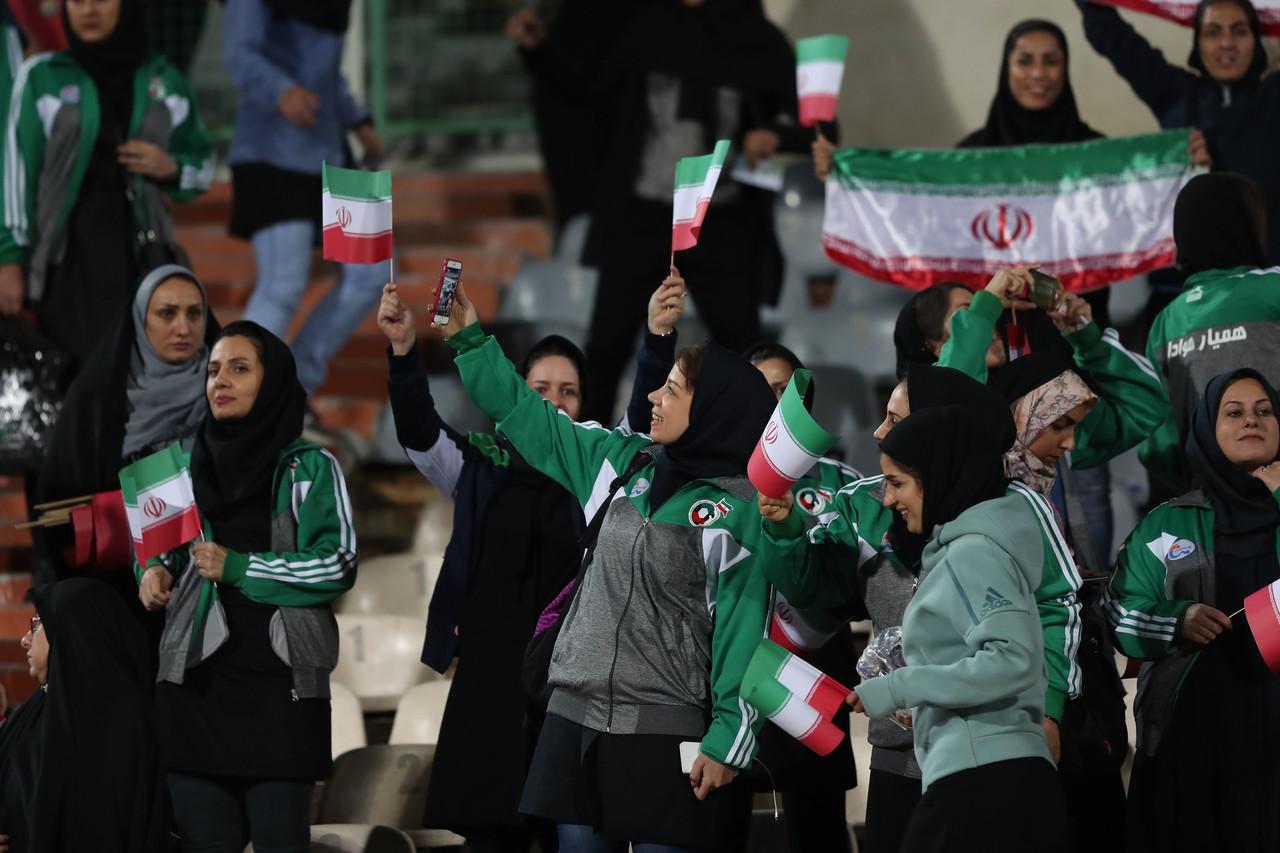 欧足联呼吁限制禁止女性入场观赛的国家举办比赛