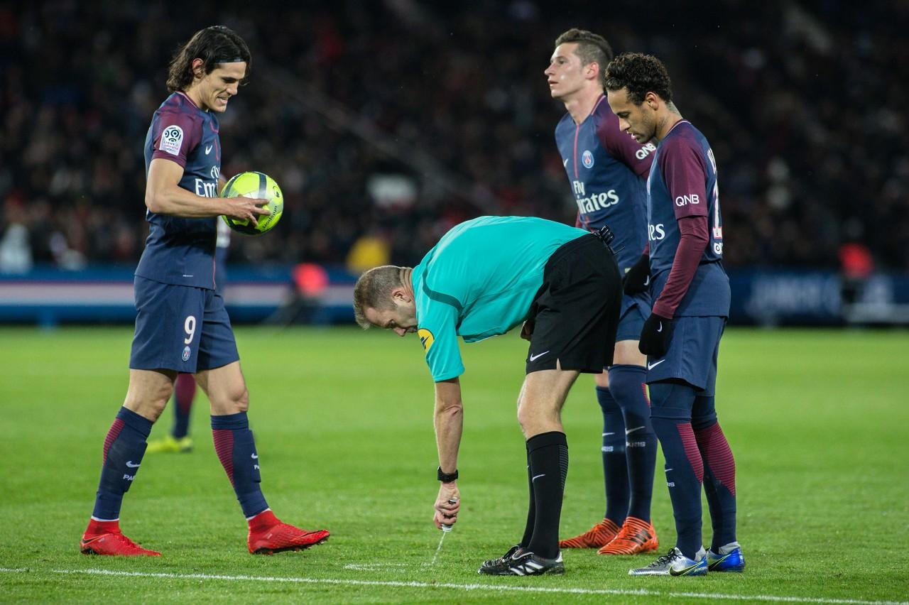 法媒盘点欧洲足坛近年来著名的更衣室矛盾事件