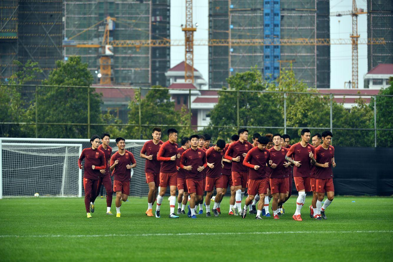 鲁媒:国足名单前场扎实 防线年轻令人担忧