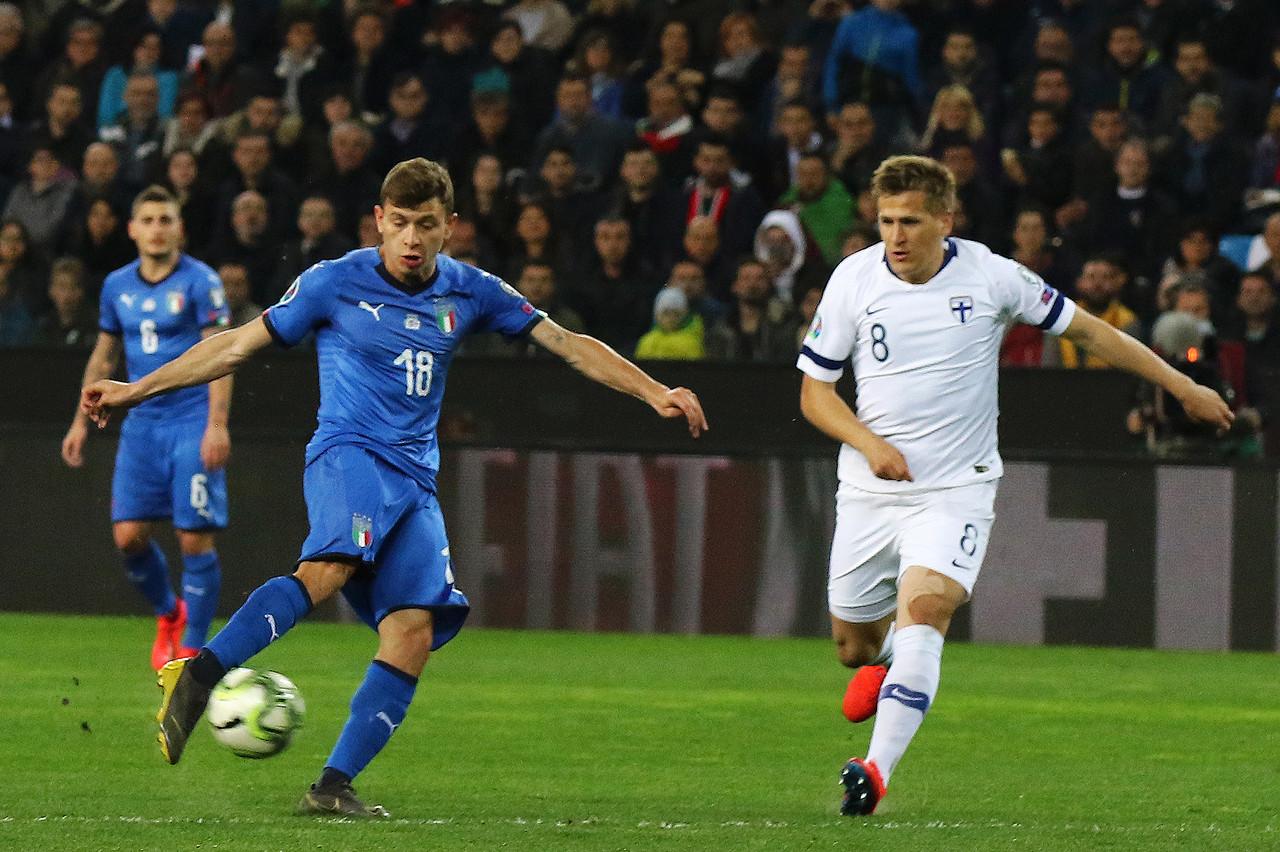巴雷拉:意大利队年轻无所畏惧,我们面临的压力会小一些