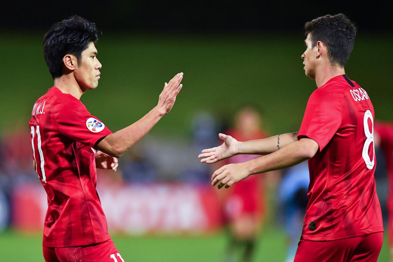 吕文君:教练希望边前卫能更多地内收 球队目标冲击世俱杯