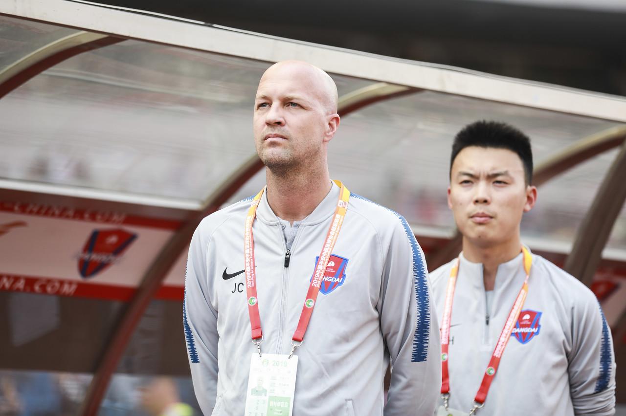 小克鲁伊夫:中国足球发展需几代人努力,而非几年之功