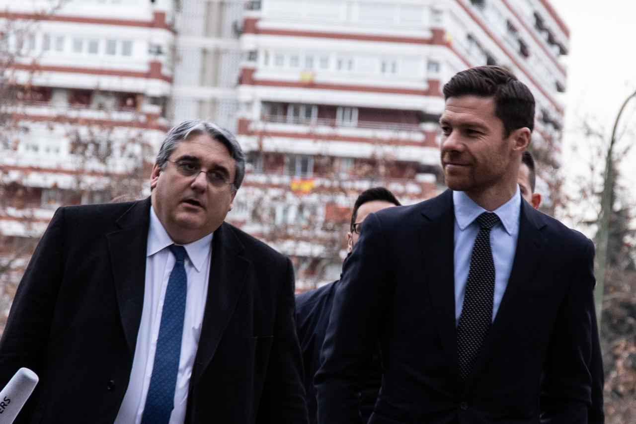 西媒:检方对阿隆索的刑期降至两年半,他仍需缴纳罚款和税金
