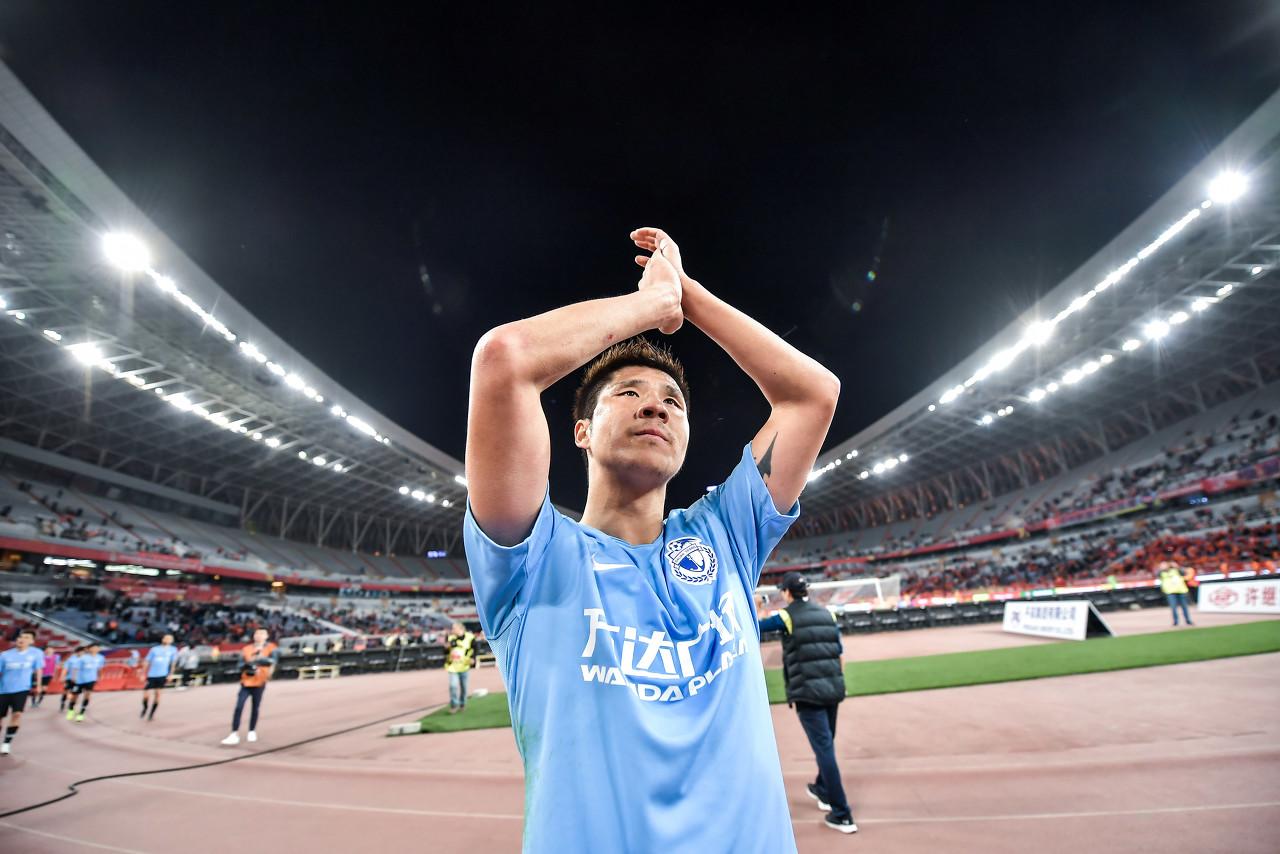赵明剑发文:我想踢球所以离开一方,感谢申花给我机会