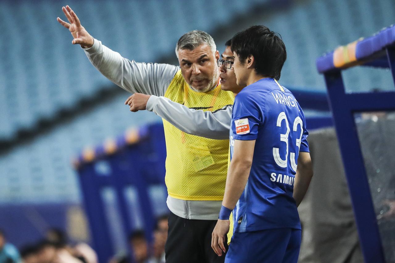 苏宁返回南京全队恢复训练,奥拉罗尤强调传球速率要加快