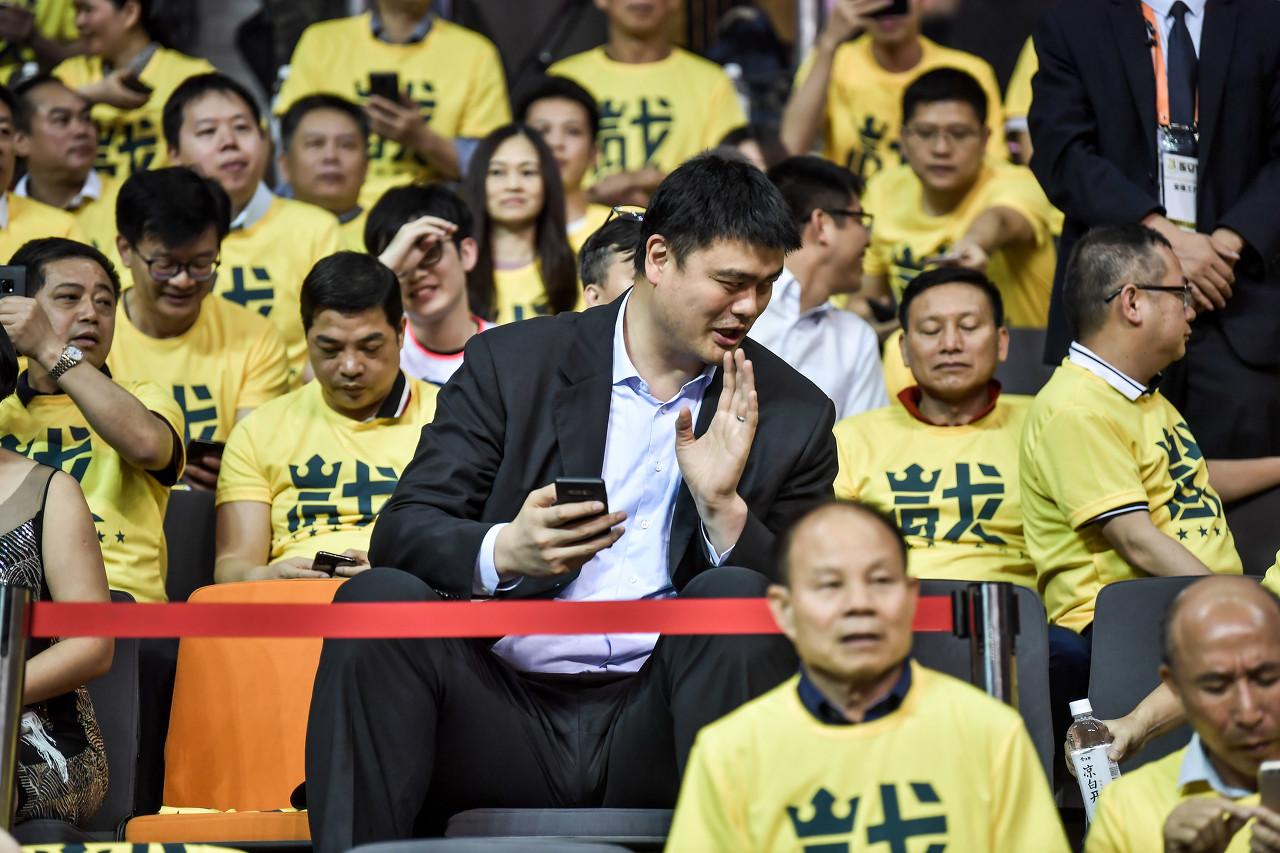 斯特恩:上海曾不想放姚明来NBA 想让NBA先付一笔钱