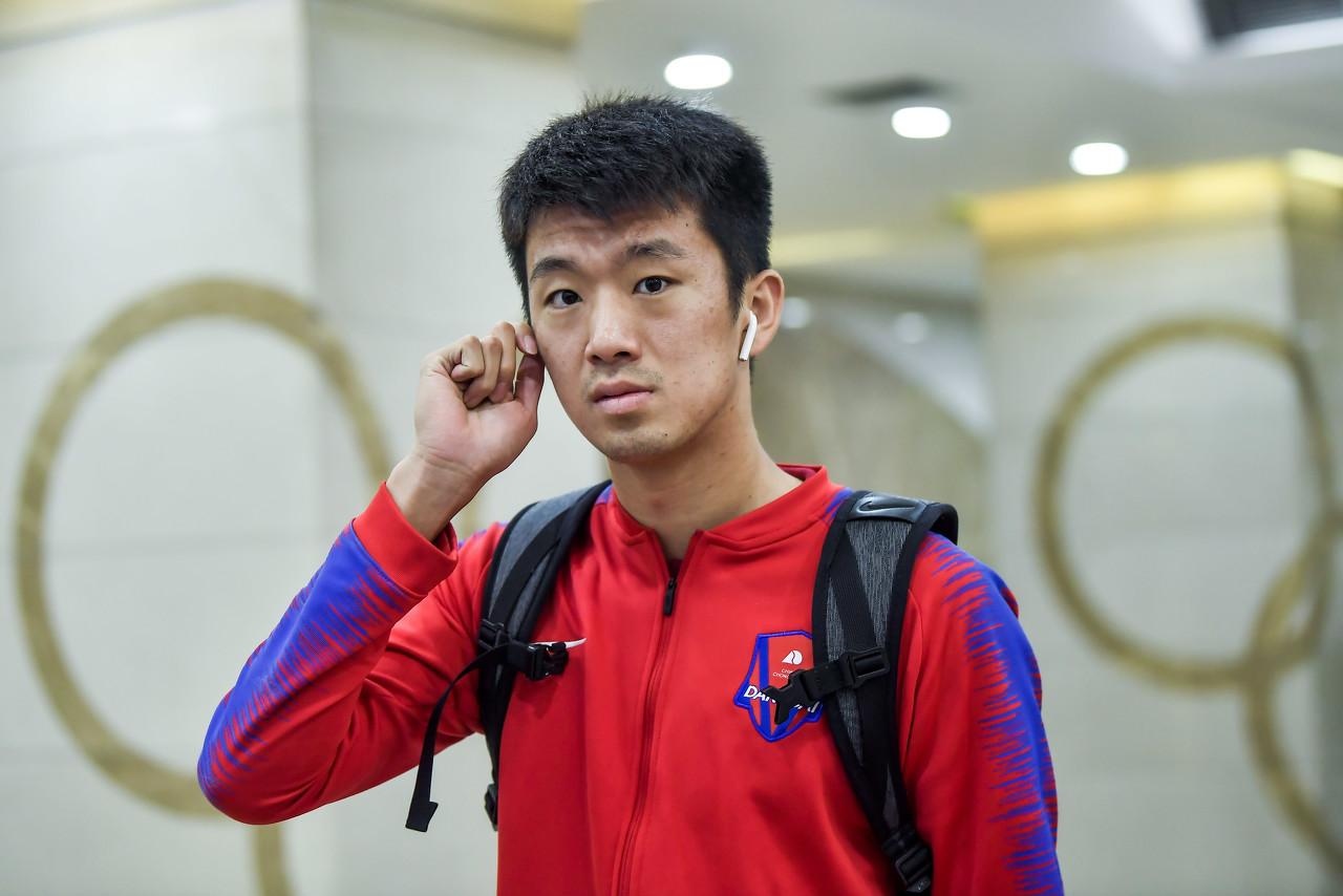 重庆斯威球员王梓翔向湖北捐款两万余元,董洪麟向重庆捐一万