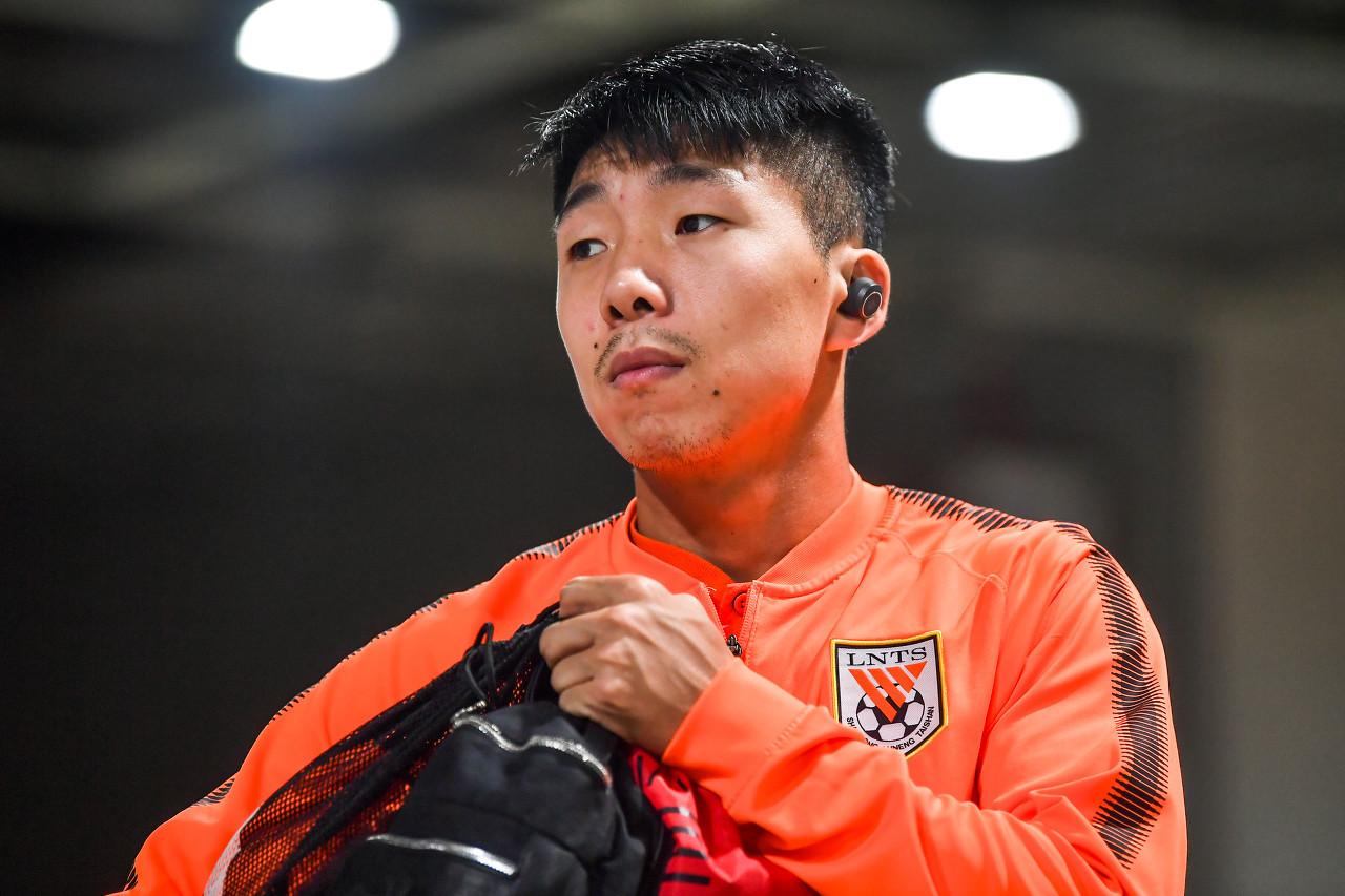 记者:金敬道伤势需要恢复时间,可能缺席下场比赛