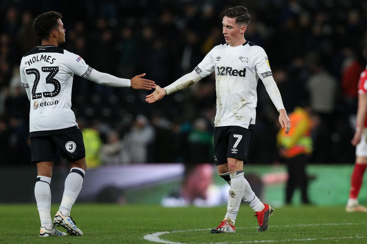 天空体育:伯恩茅斯和利物浦商谈租借哈里-威尔逊事宜