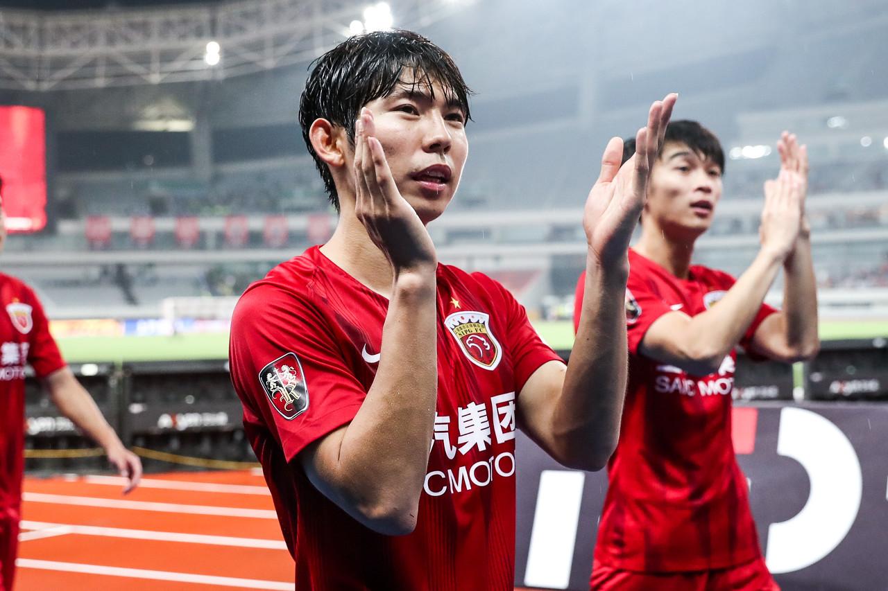 杨世元:感谢上港为我做的一切 会积极面对伤病努力康复