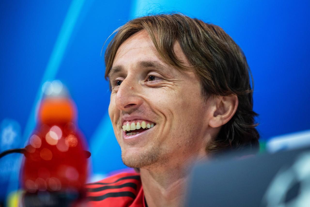 皇马官方:莫德里奇回到球队合练中,贝尔在室外单独训练