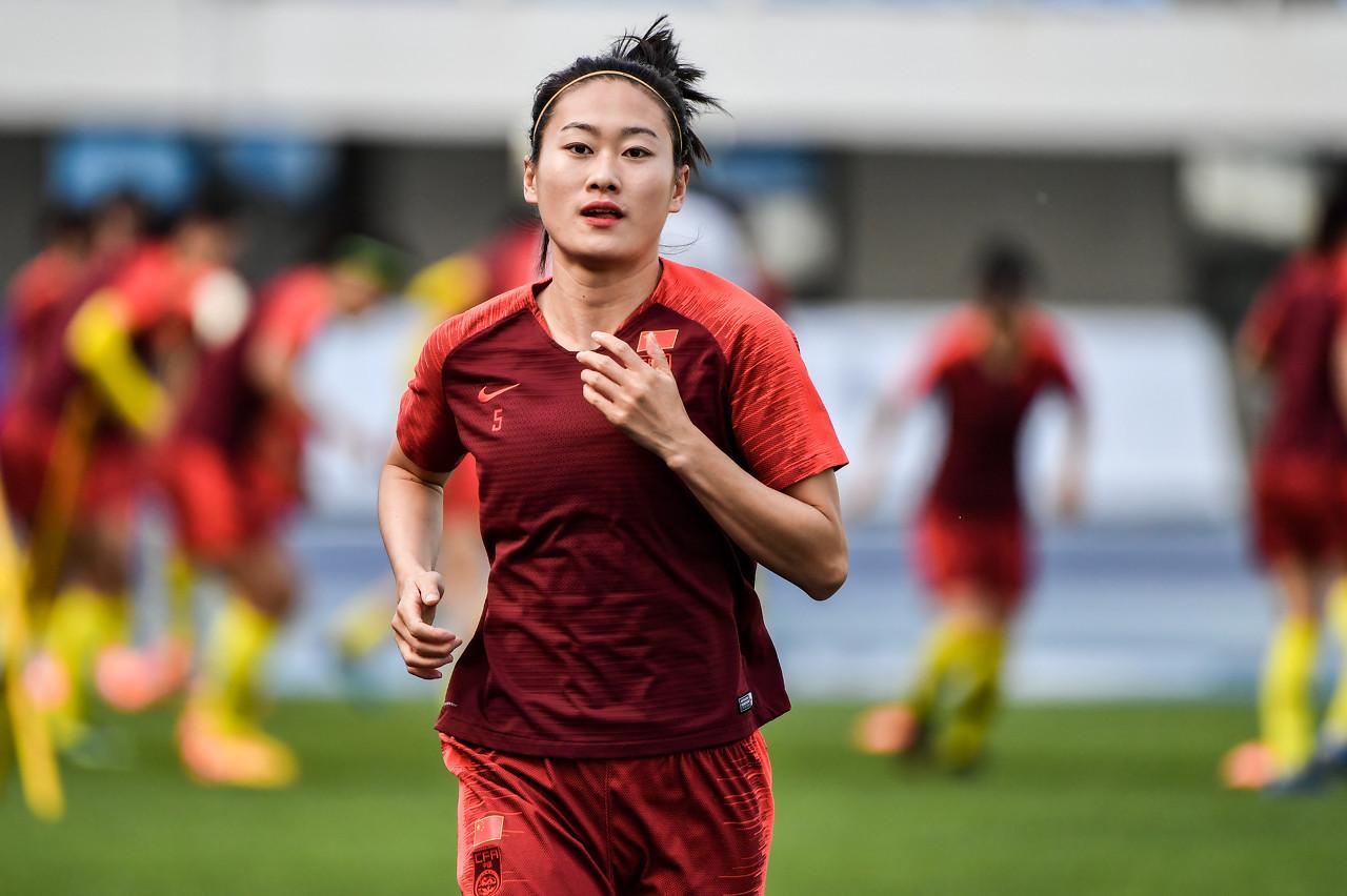 吴海燕祝贺女排提前夺得世界杯:女排精神值得学习