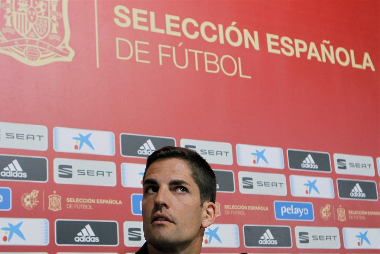 西班牙主帅莫雷诺:将晋级成果献给恩里克和他的家人