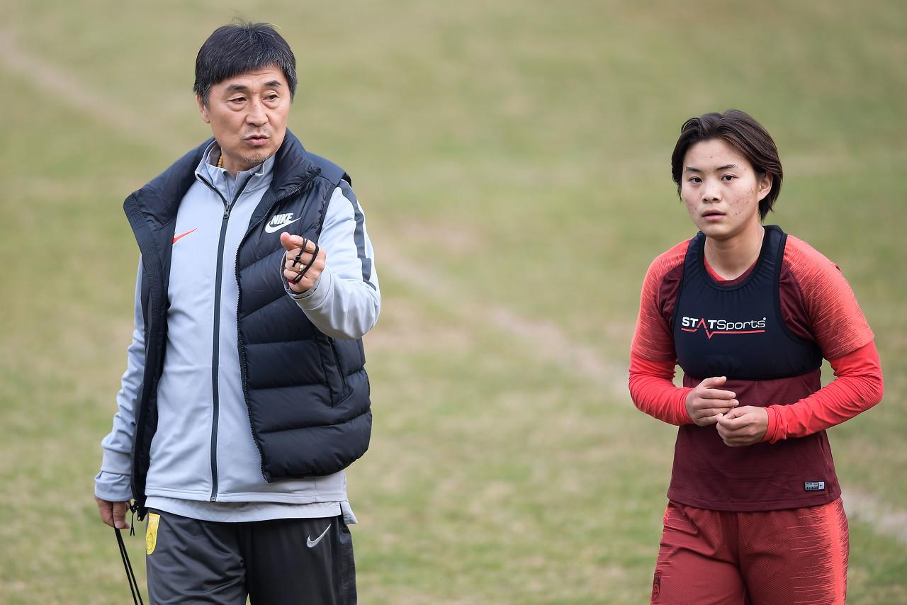 教学赛:王霜进球李影双响,中国女足4-0武汉三镇U16男足