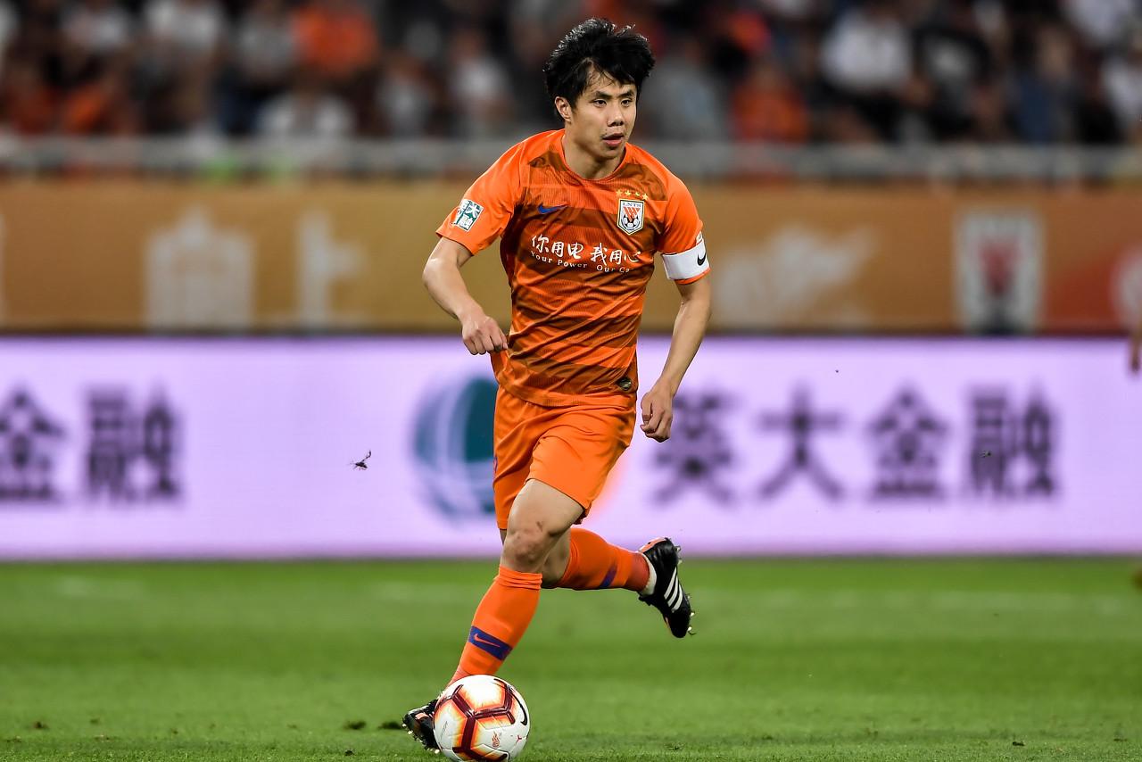 蒿俊闵完成在中国俱乐部正式比赛出场400场里程碑