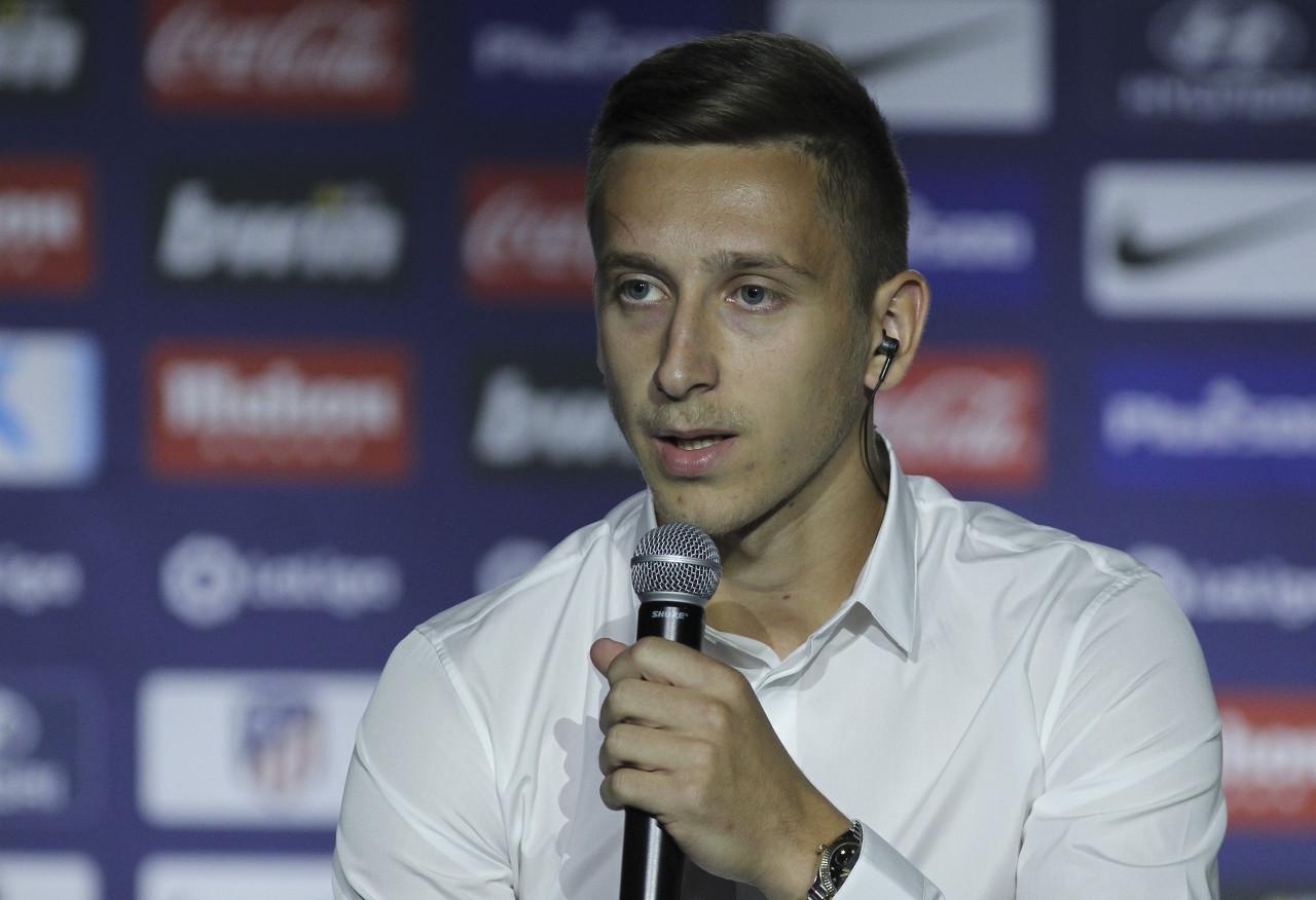 阿斯:萨拉戈萨希望签下萨庞季奇,但球员不想在冬窗离开马竞