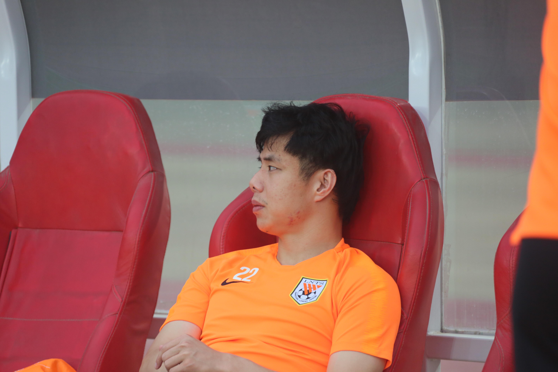 记者:蒿俊闵伤势已无大碍,足协杯决赛出场问题不大