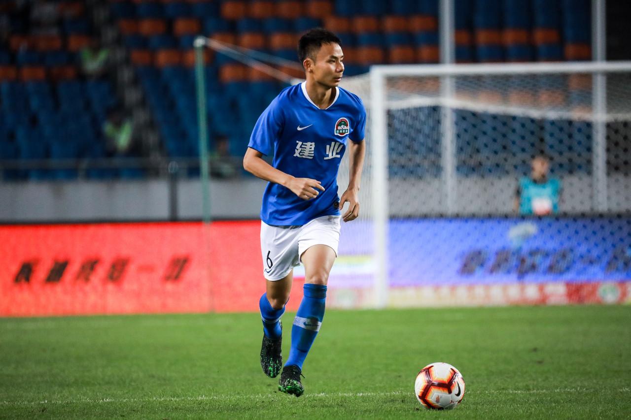 博主:冯卓毅等3名合同到期球员随建业冬训,可能全部续约
