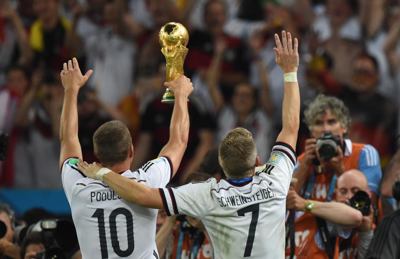 波尔蒂发推祝福小猪:与你赢下世界杯永远是我的最佳时刻