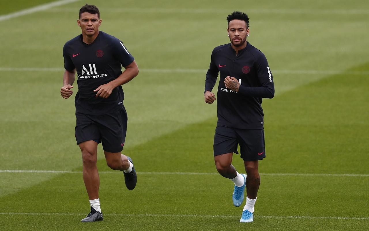 RMC:巴黎球迷考虑在联赛和欧冠中继续抵制内马尔