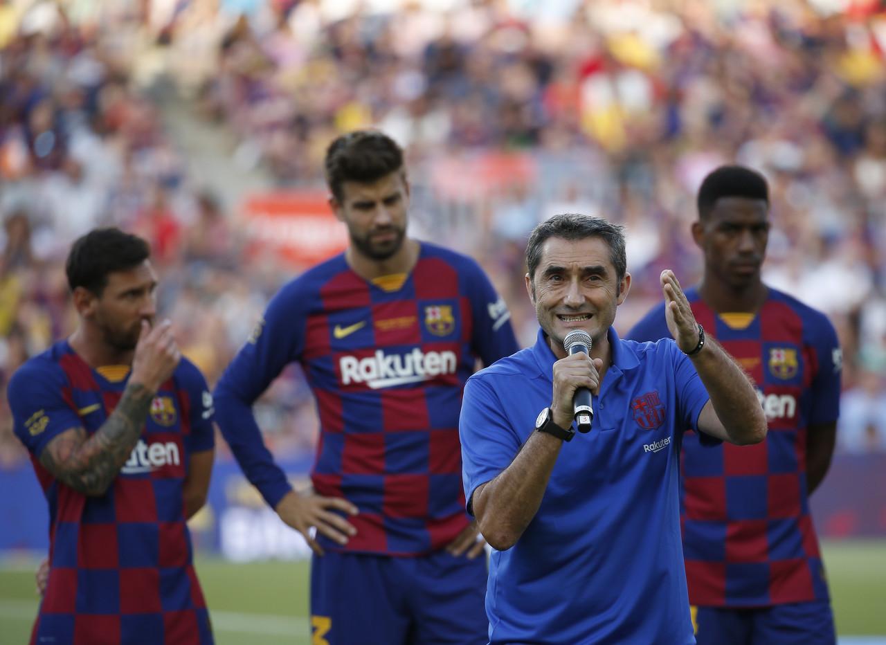 马卡:梅西等巴萨核心球员依然支持巴尔韦德