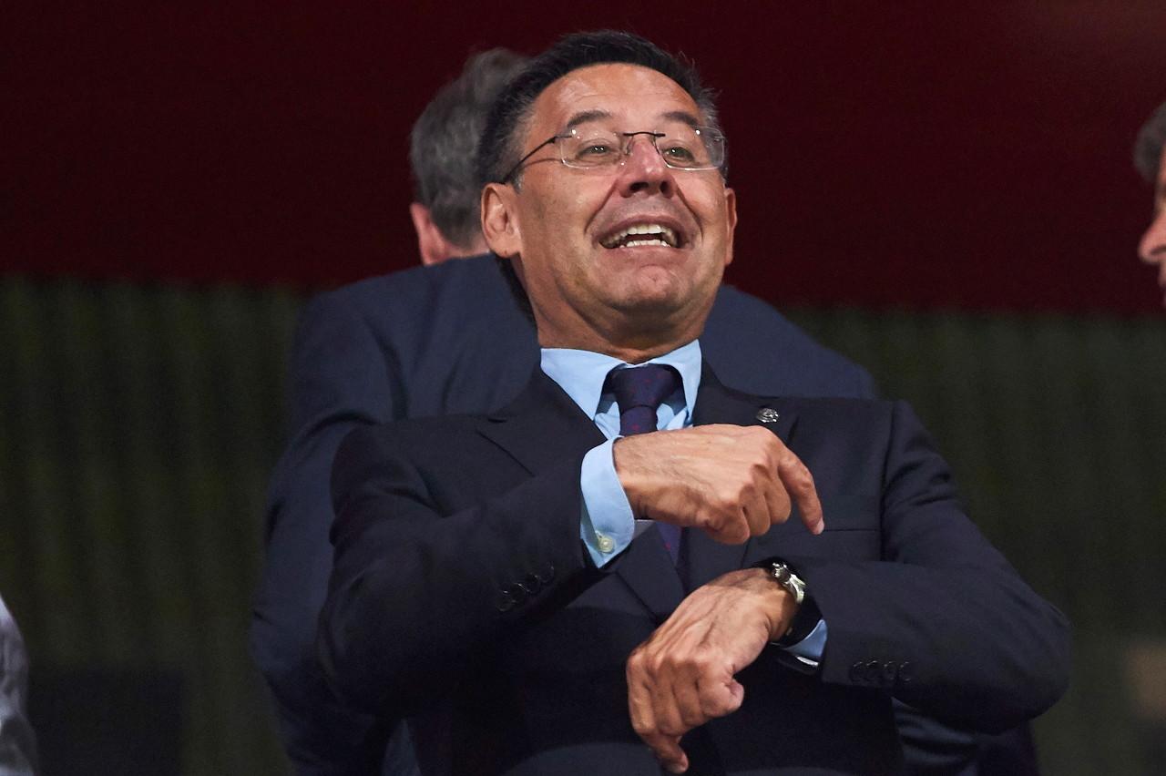 巴托梅乌:冬窗补强前锋仍有可能 要续约梅西让他在巴萨退役