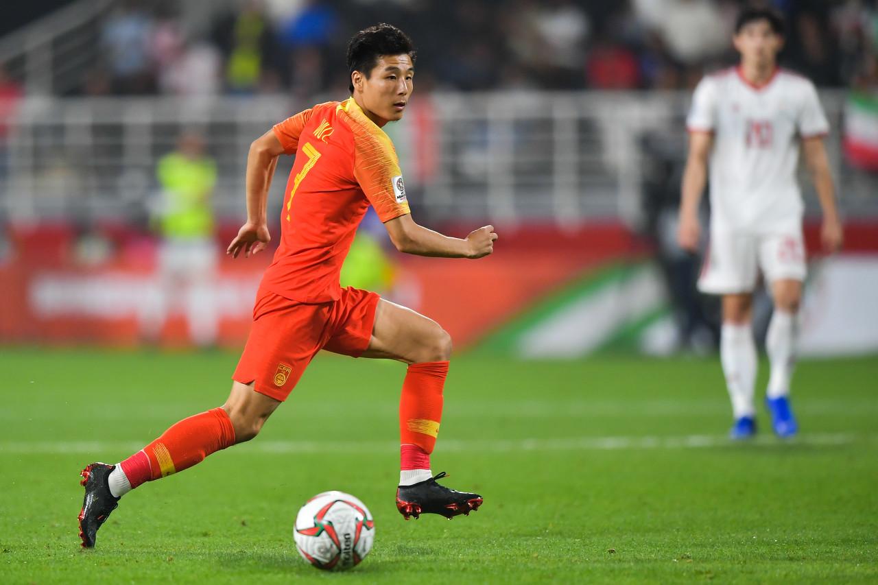 记者:武磊11日一早抵达迪拜,能赶上下午的球队训练