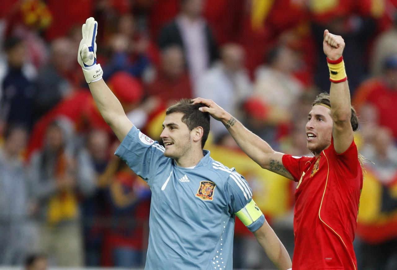 拉莫斯成西班牙出场数第一人,卡西送祝福:给你大大的拥抱