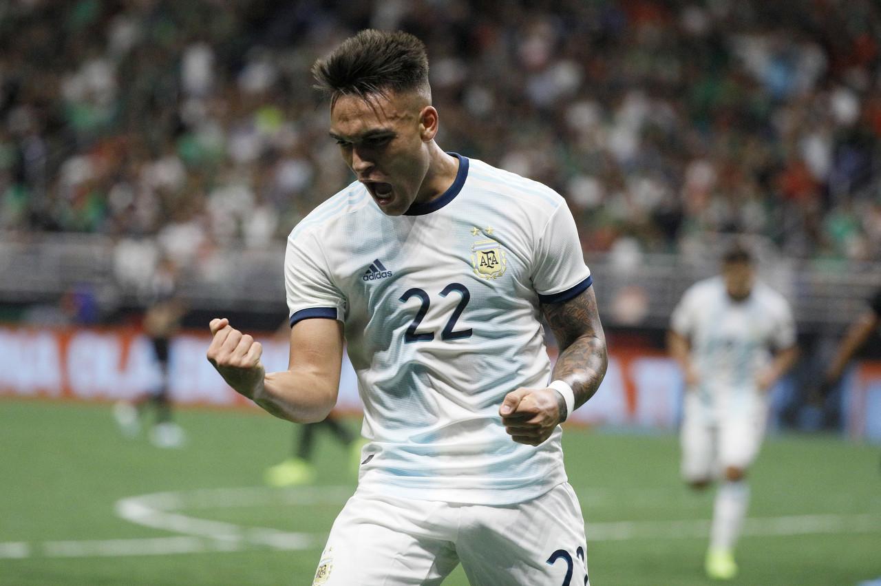 劳塔罗:阿根廷国家队很团结,我们正在组建一个很棒的团队