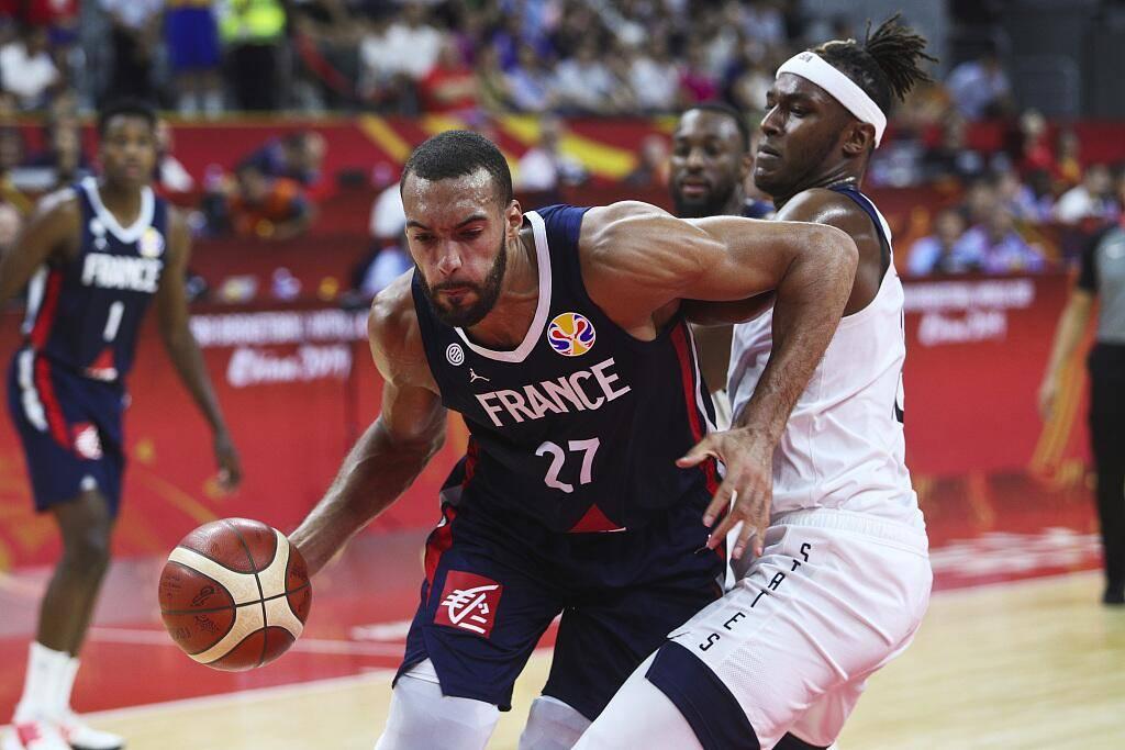 托尼-帕克发推庆祝法国击败美国队晋级半决赛
