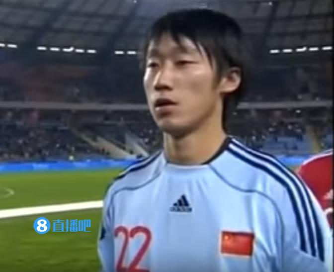 张鹭过去仅为国家队出场两次,对阵葡萄牙曾献精彩扑救