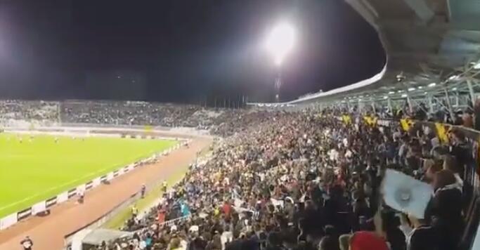 角度刁钻!禁止成年人现场观赛,游击队邀请两万U14小球迷