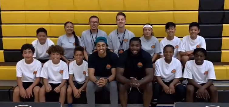 普尔帕斯卡尔参加篮球训练营 与小球迷上演2vs20