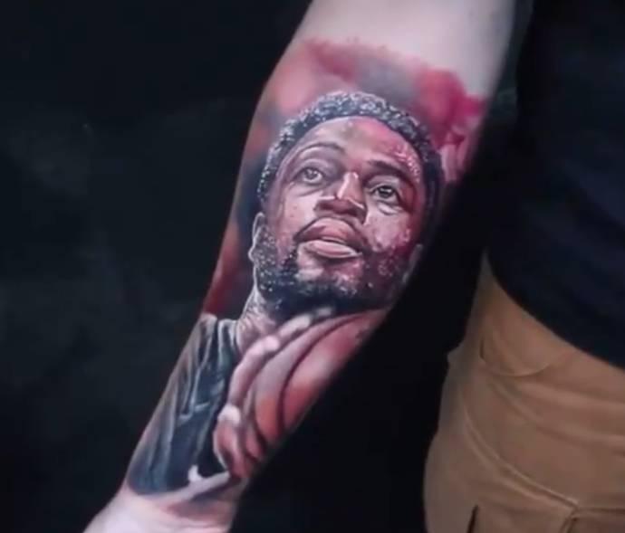 【影片】球迷展示前臂特別紋身,韋德社交媒體點贊