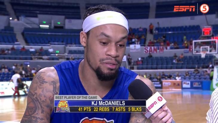 前火箭球员麦克丹尼尔斯菲律宾联赛首秀暴砍41+22+7+5