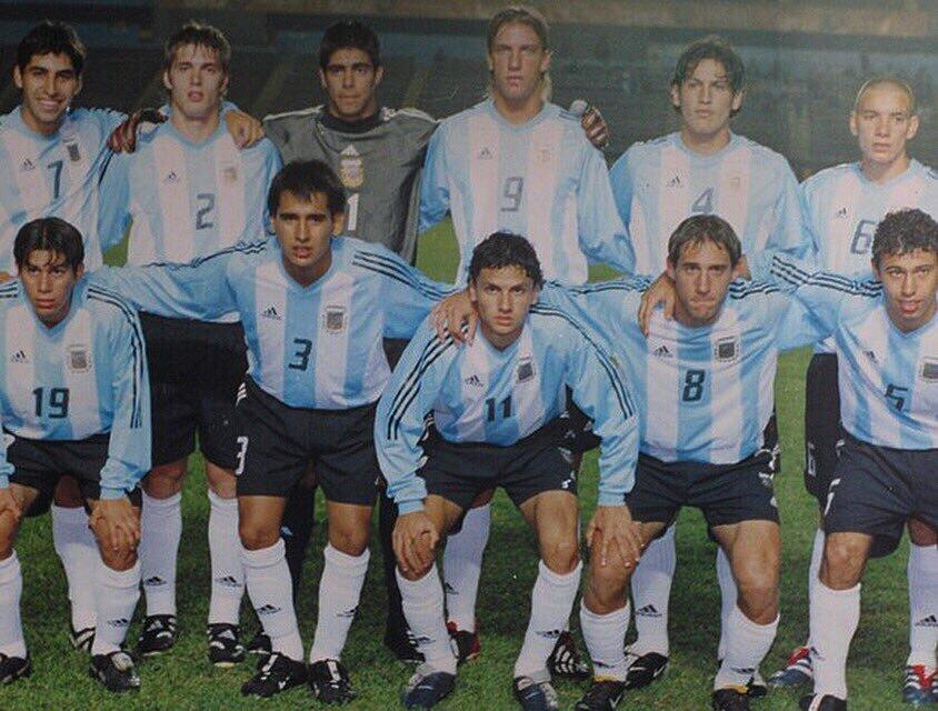 回忆满满!孔卡晒阿根廷青年队照片,小马哥、萨巴莱塔在列