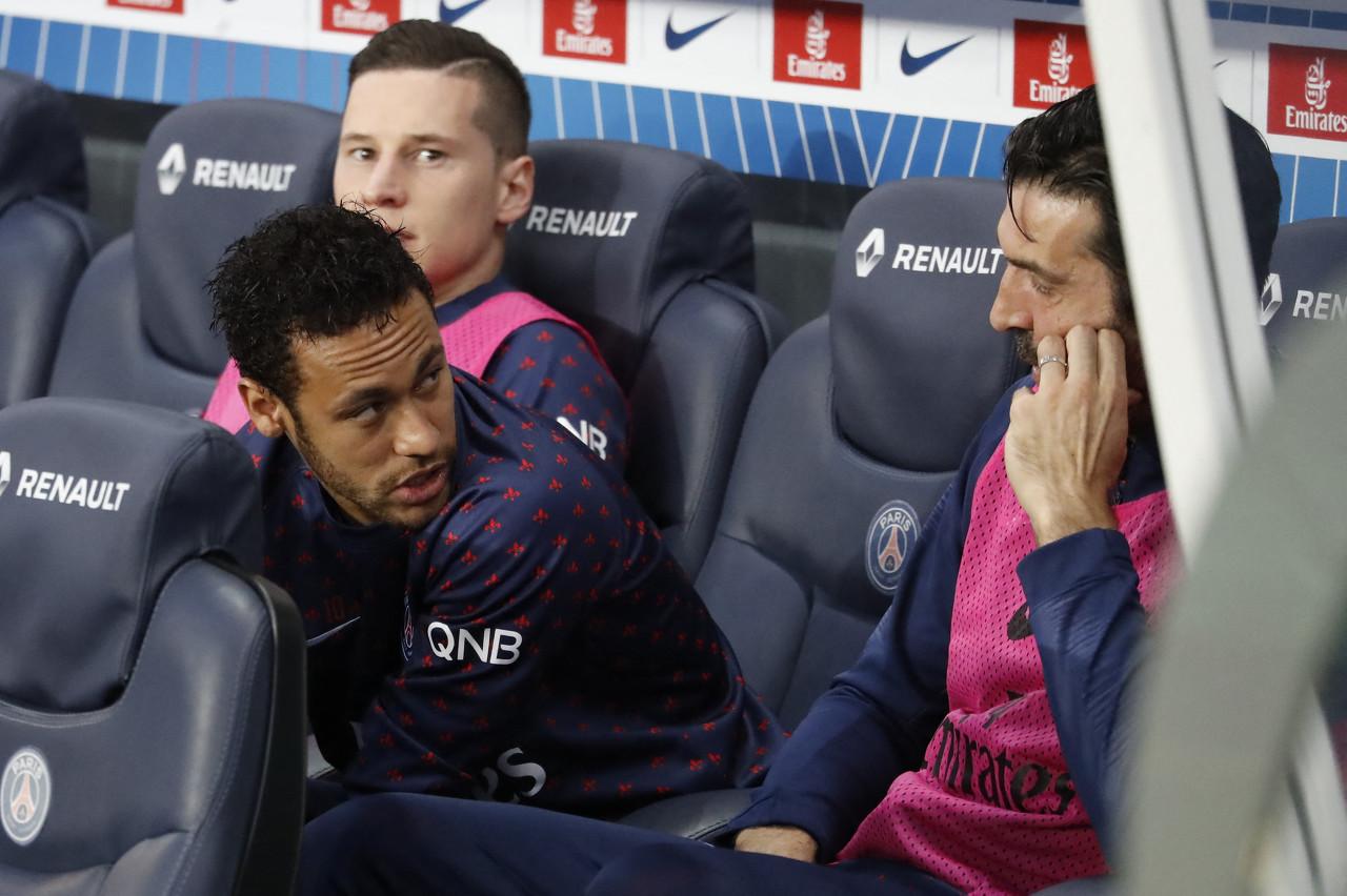 内马尔:既然留下就会全力帮助球队 将为巴黎奉献最好的自己