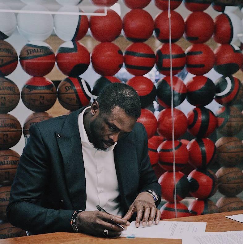 官方:罗尔-邓和公牛签约 随后宣布从NBA退役