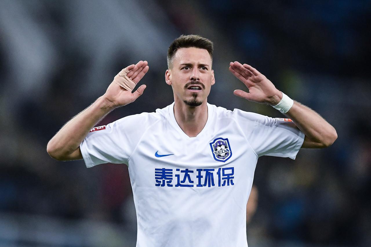 瓦格纳:中国球迷对我期望很高,他们希望外援拿球就过两三人