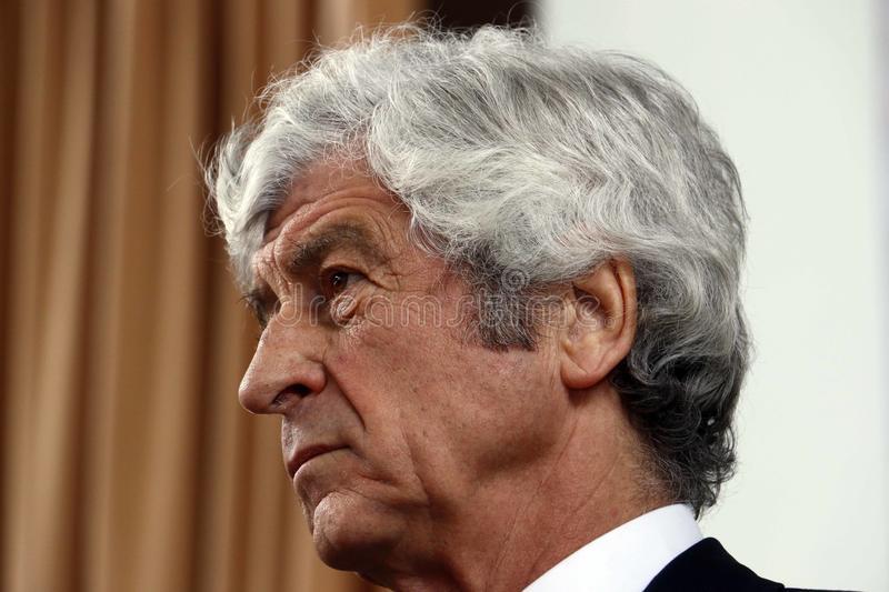 里维拉:圣西罗不能拆 米兰重视年轻球员是正确的