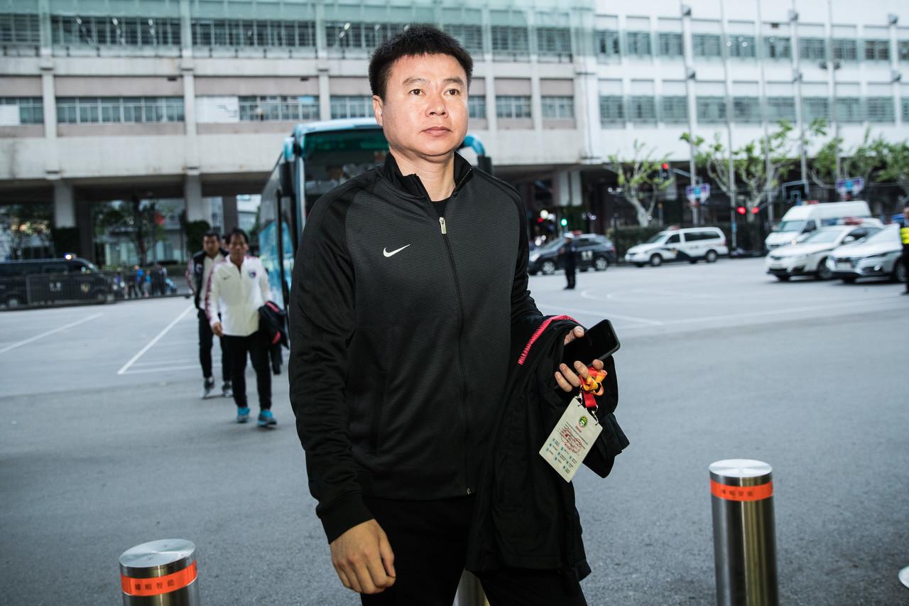 """于根伟澄清媒体不实报道:""""二婚""""妻子""""李晓阳""""属于捏造"""